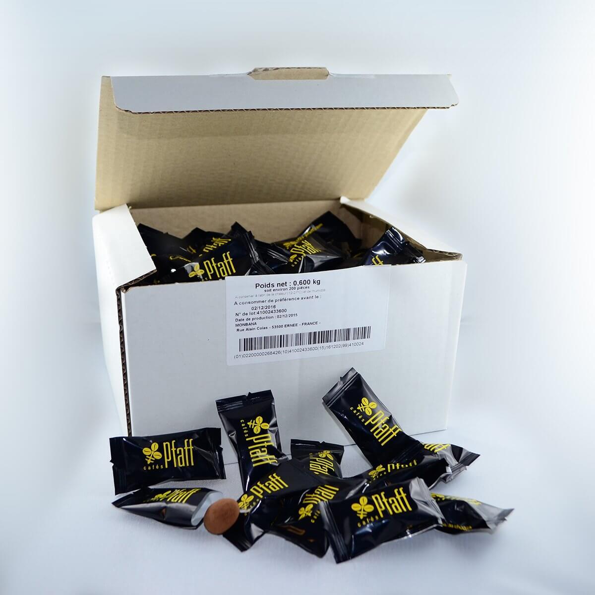 Boite d'amandes cacaotées Pfaff (x 200)